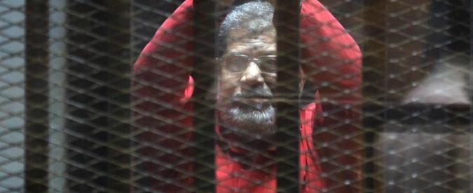 """Egitto, annullata la condanna a morte di Morsi: """"Processo da rifare"""""""