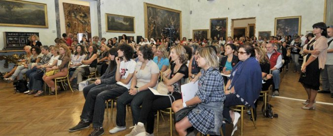 """Bonus 500 euro per i docenti: è caos. I musei: """"Non ne sappiamo nulla"""". Miur: """"Novità assoluta, ci vuole tempo"""""""
