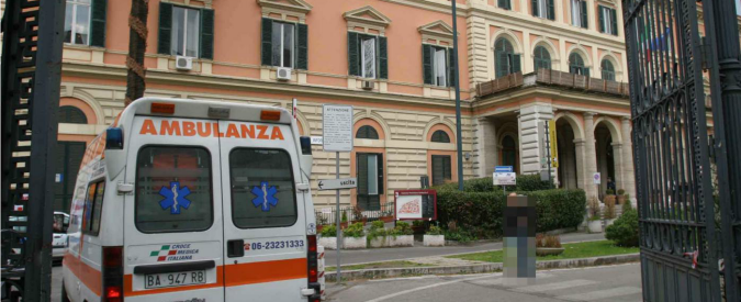 Spacca la testa a un senzatetto con un estintore: arrestata guardia giurata del Policlinico Umberto I