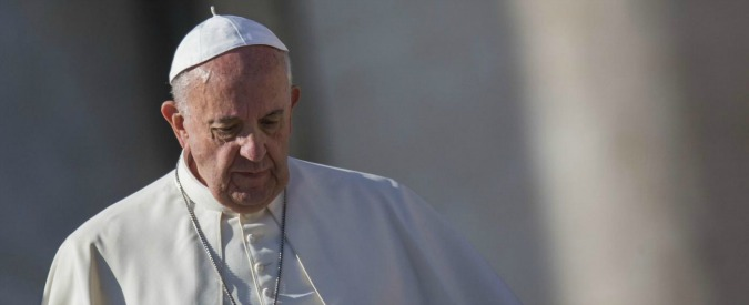 """Giubileo della Misericordia, Papa Francesco chiude la porta santa: """"Chiesa più accogliente, libera e povera"""""""