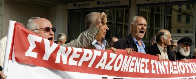 Grecia, 10mila in piazza contro i tagli delle pensioni: fondi decurtati del 50%