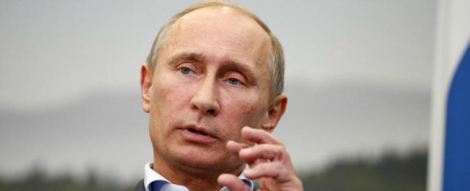 """Putin: """"Chi commissiona fake news su Trump è peggio delle prostitute"""""""