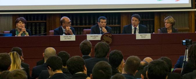 """Senato, nella sala Koch seminario alfaniano sul referendum. Ospiti Renzi e Lupi. La polemica: """"E' grancassa del Sì"""""""
