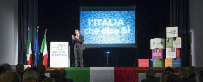 Benevento, bombe carta e fumogeni per l'arrivo di Renzi a iniziativa per il Sì