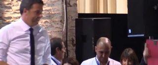 """Leopolda, black out all'arrivo di Renzi che ironizza: """"E' il nostro castigo divino"""""""