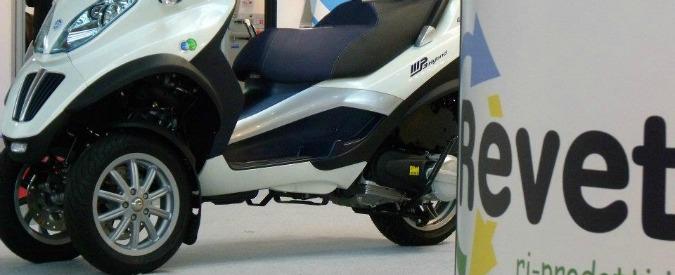 Roma, M5s va a studiare l'azienda modello toscana. Revet, che trasforma i rifiuti in oggetti per la casa e pezzi di auto