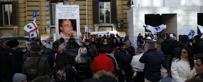 """Legge di Bilancio, la promessa di Poletti ai malati di Sla: """"50 milioni in più con un emendamento al Senato"""""""
