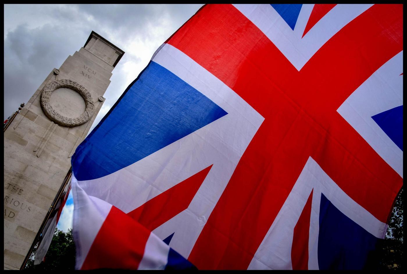 Ibernazione post-mortem di una 14enne: in Gran Bretagna la storica sentenza