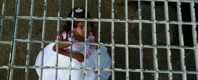 Spose bambine, matrimonio in Marocco interrotto dalla polizia dopo foto su Fb