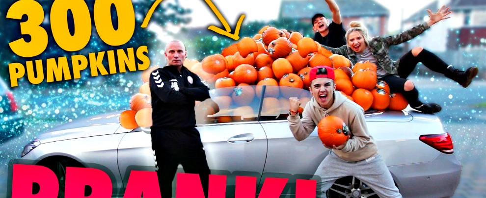 Halloween, come ti imbottisco di zucche la Mercedes Classe E cabrio – VIDEO