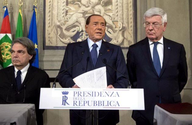La delegazione di Forza Italia che ha parlato con il capo dello Stato Mattarella: al centro il leader Silvio Berlusconi e a sinistra e a destra i capigruppo di Camera e Senato Renato Brunetta e Paolo Romani