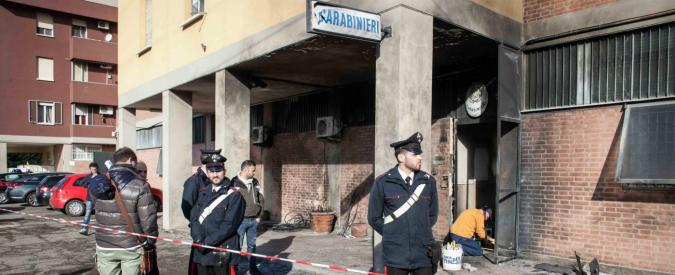 """Bologna, attacco caserma carabinieri: arrestato un francese. """"Attentato con finalità terroristiche di matrice anarchica"""""""
