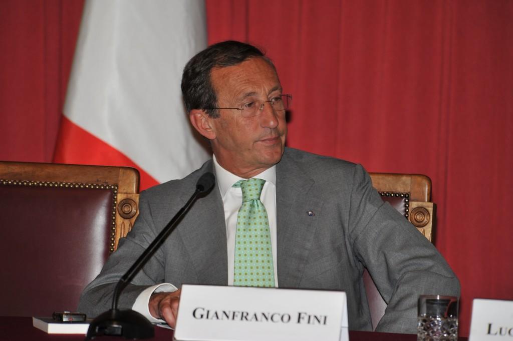 """Giochi e riciclaggio, Gianfranco Fini: """"Sono stato un coglione: corrotto, mai"""""""