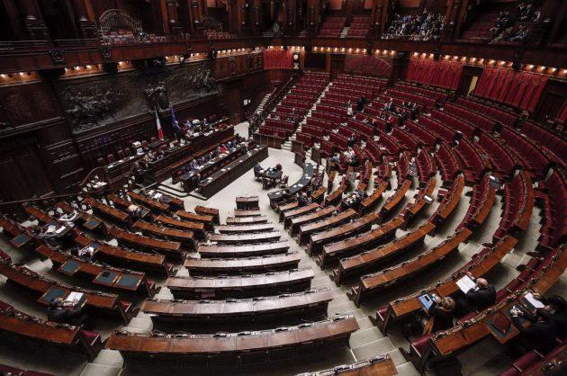 L'aula di Montecitorio, durante il dibattito sulla fiducia, è stata spesso deserta