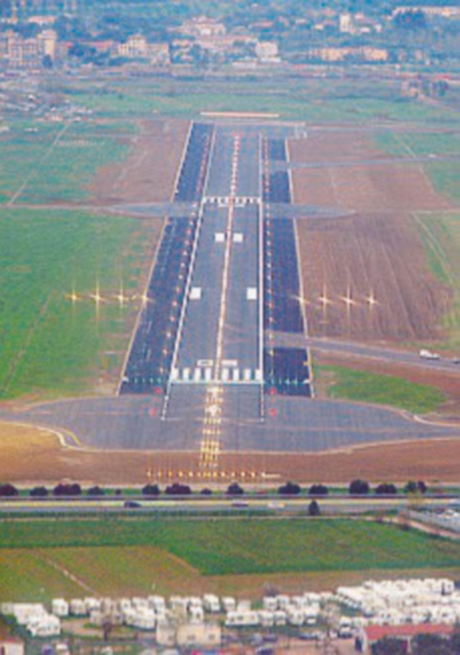 Aeroporti toscani, il gip: processate il sindaco dem di Pisa