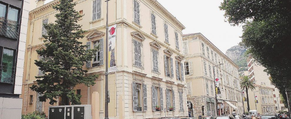 """Fini, ultimo atto a Montecarlo: """"La casa venduta alla moglie"""""""