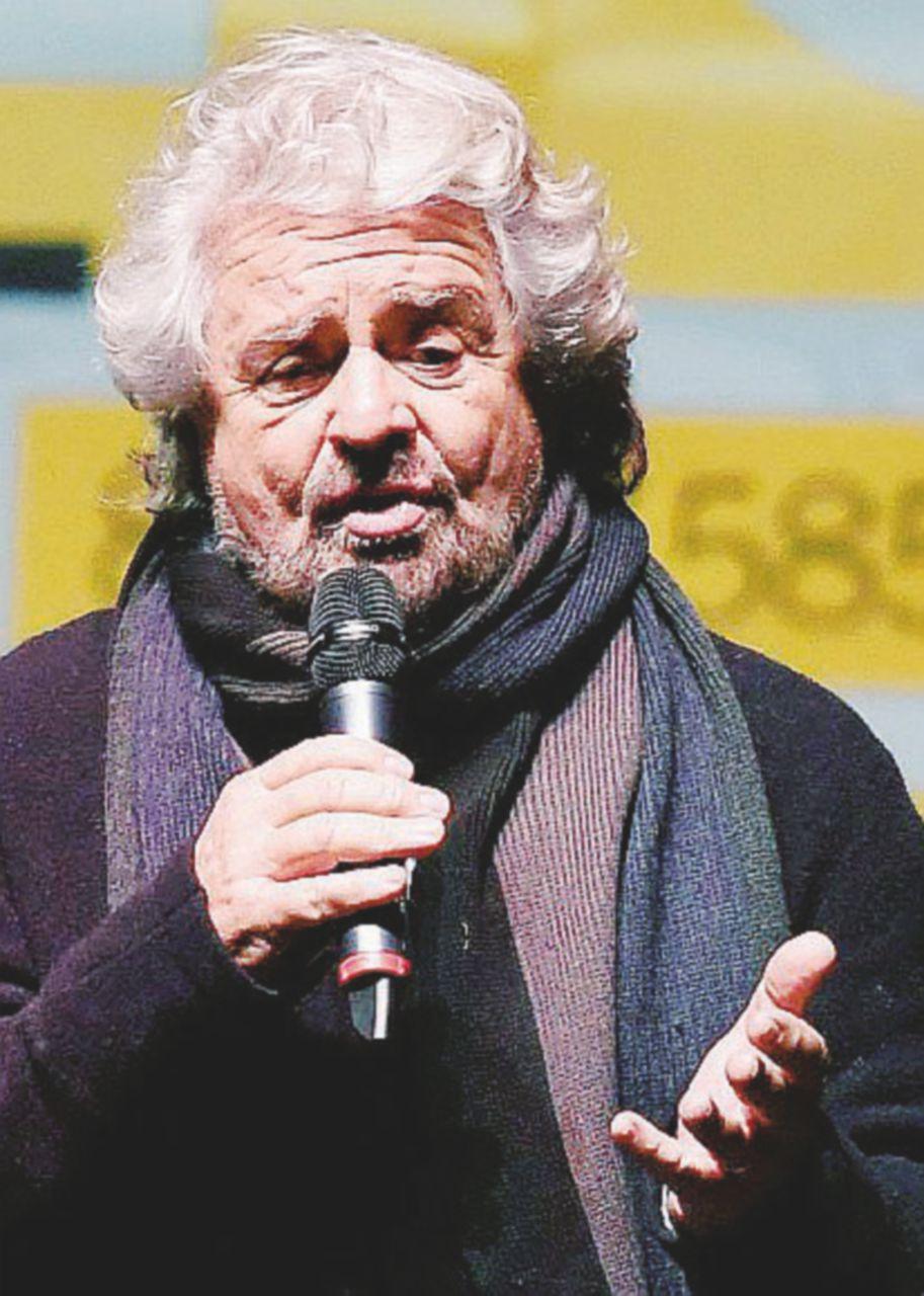 """Grillo ai parlamentari: """"Adesso nuove idee e basta malpancisti"""""""