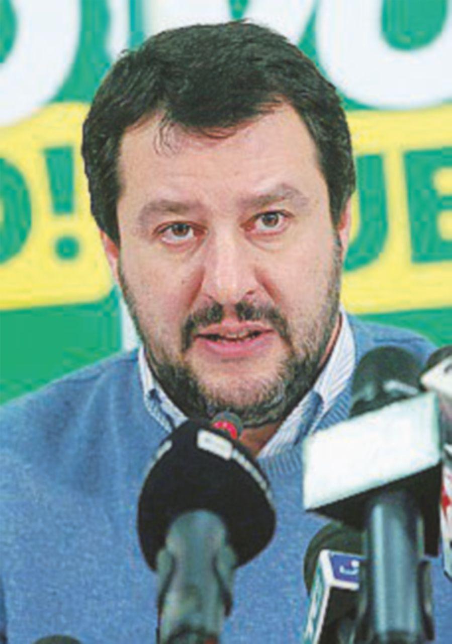 """Salvini vuole dimissionare Raggi. """"Ma Beppe resti"""""""