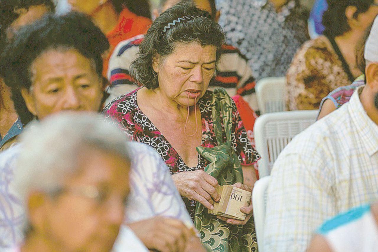 Caracas anno zero, le donne si vendono i capelli