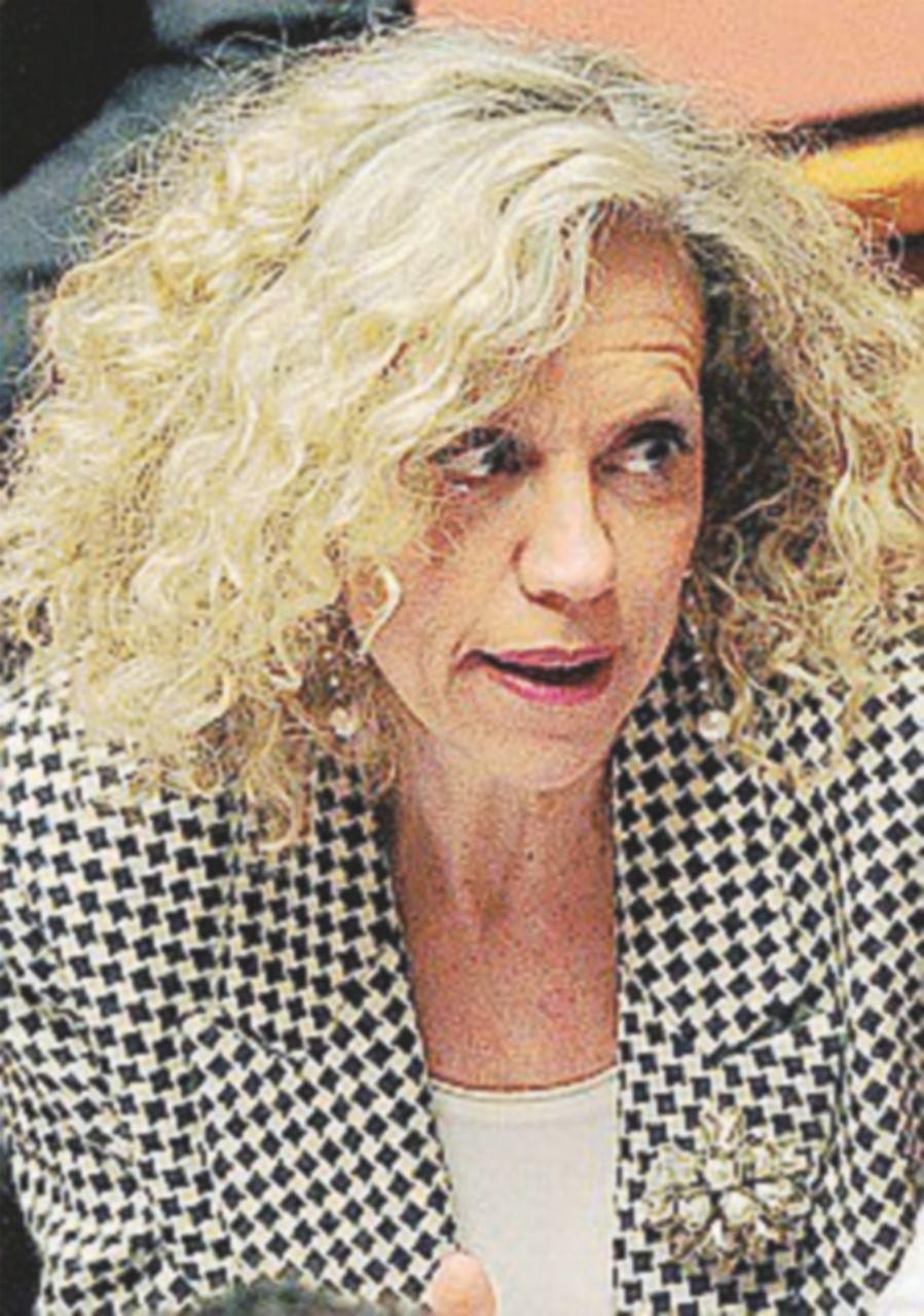 La Cirinnà all'attacco: pubblica il contratto con la Casaleggio