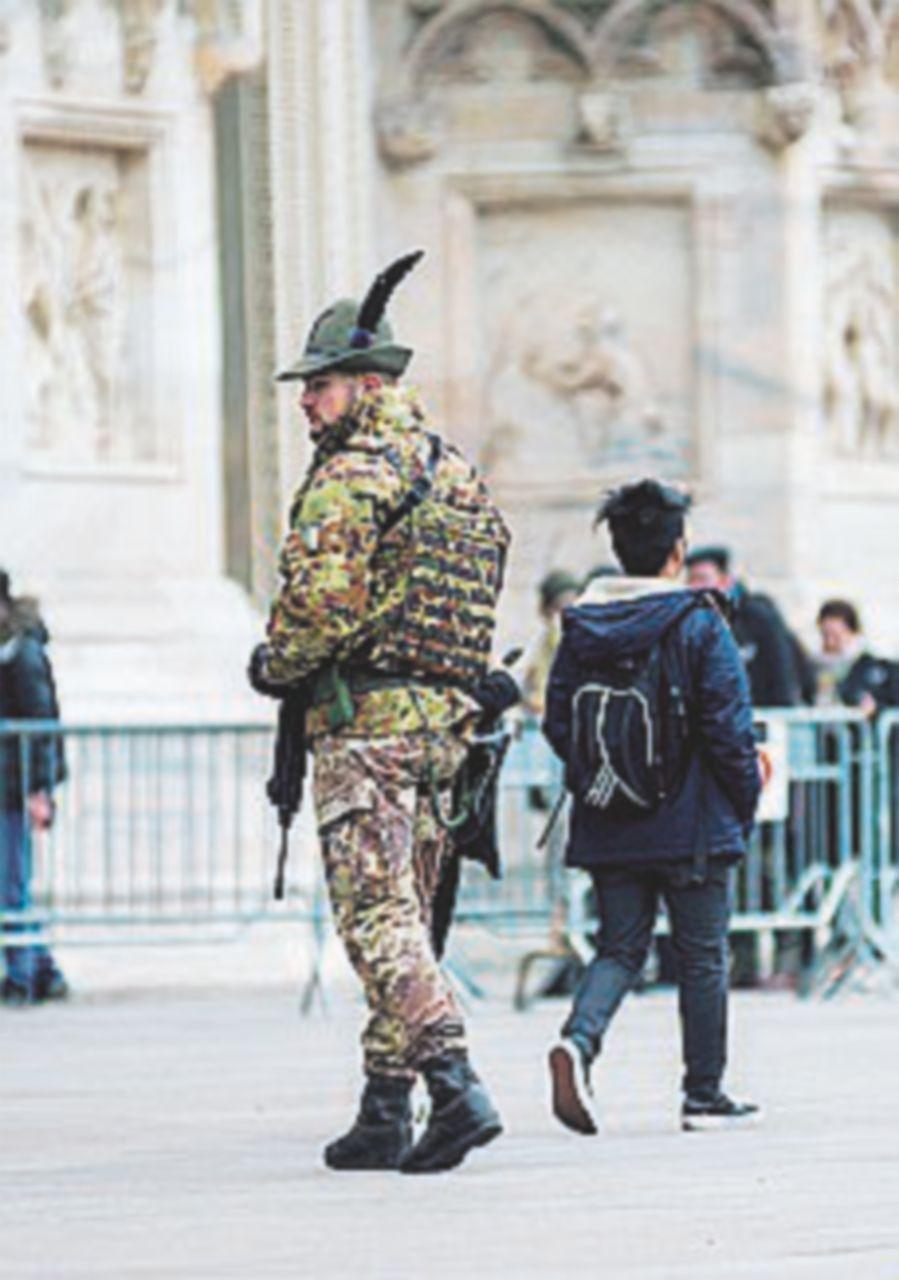 """L'allarme degli 007 : """"Un'altra Nizza"""". E anche Roma rischia"""