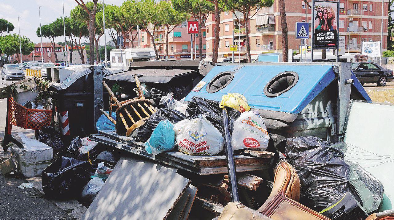 Roma è da radere al suolo, altro che avvisi di garanzia