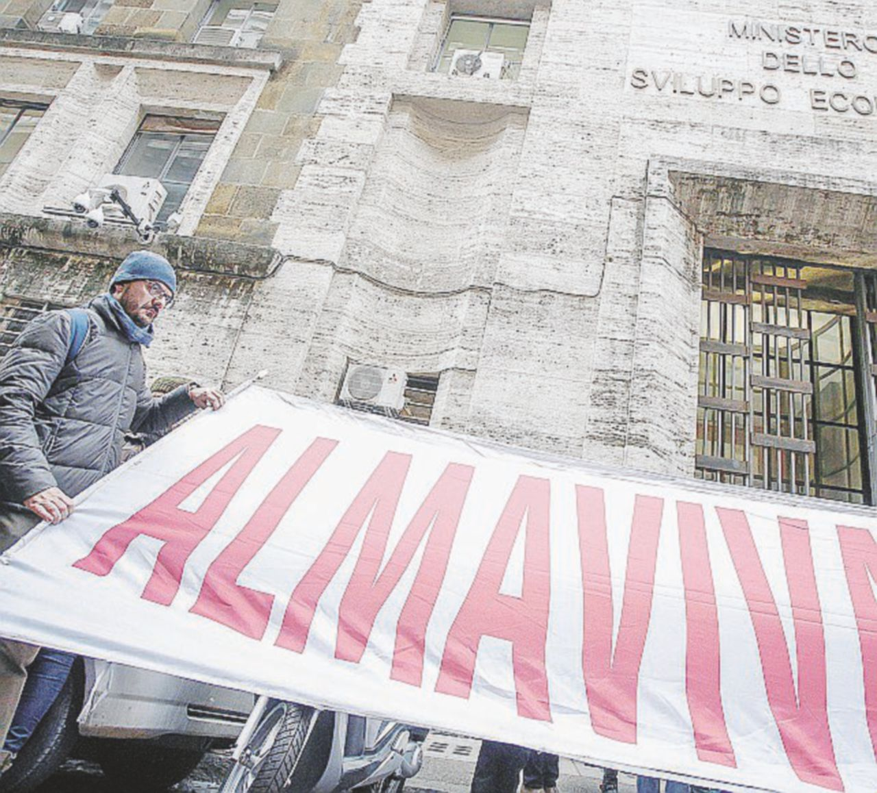 Almaviva, Roma rifiuta il ricatto: 1.600 licenziati