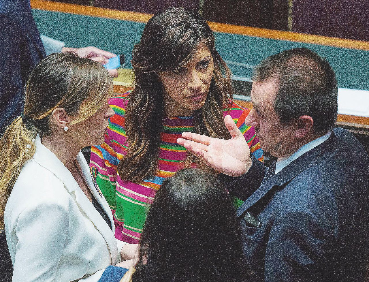 """""""Non ricordo"""" e """"non sapevo"""": Mafia capitale, i Pd smemorati"""