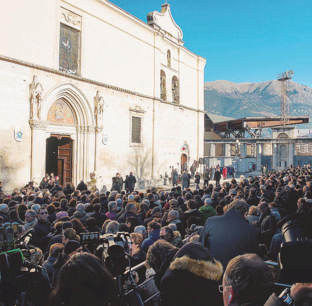 Addio a Fabrizia, schiaffo del vescovo a Poletti