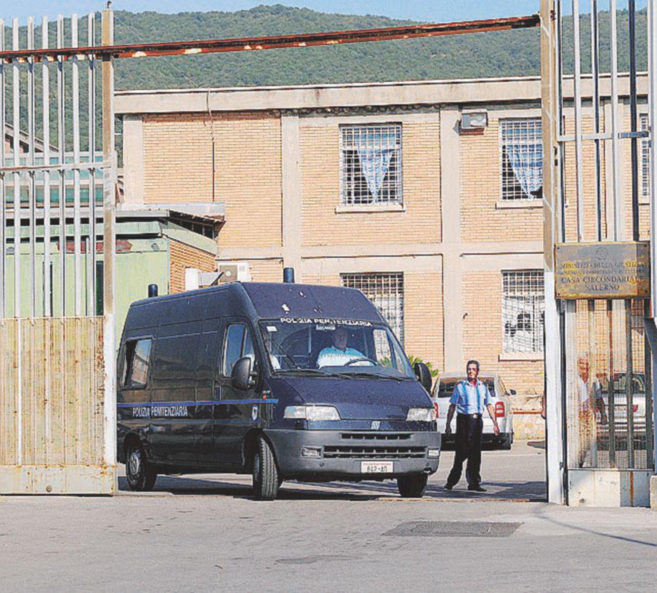 """""""Infarto"""", ma con lividi: medici del carcere indagati"""