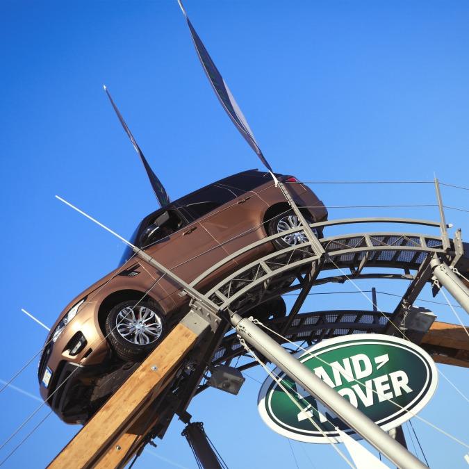 Motor Show di Bologna, l'off-road avventuroso delle Land Rover – FOTO