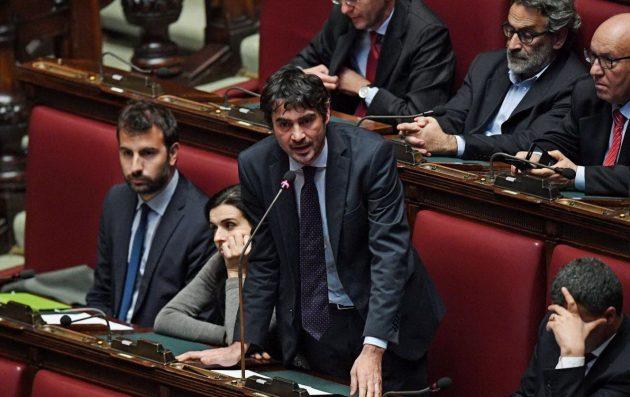 Nicola Fratoianni, ex coordinatore di Sel e ora in Sinistra Italiana, interviene in Aula