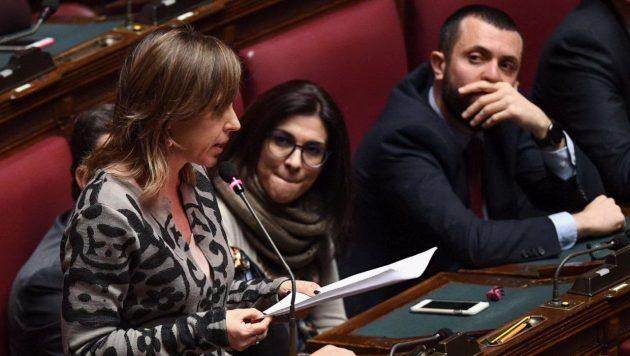La capogruppo M5s Giulia Grillo dichiara il no alla fiducia al governo Gentiloni