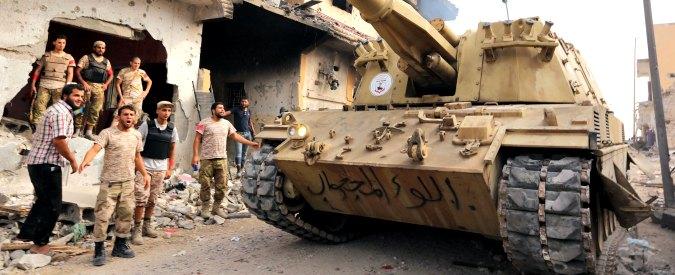 Libia, milizie fedeli ad Al Serraj attaccano porti petroliferi controllati da Haftar