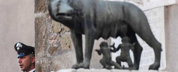 """Arresto Marra, Raggi sotto assedio e 5 Stelle scuri in volto. Per la sostituzione si pensa a Acerbi, """"l'anti-Mafia Capitale"""""""