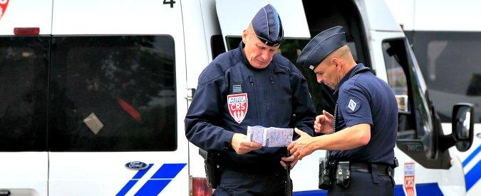 Parigi, uomo armato prende 7 persone in ostaggio in un'agenzia di viaggi