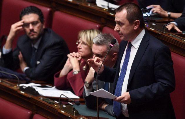 L'intervento del capogruppo del Pd Ettore Rosato. Alla sua destra il vicesegretario Lorenzo Guerini, l'ex vendoliana Titti Di Salvo e Ernesto Carbone