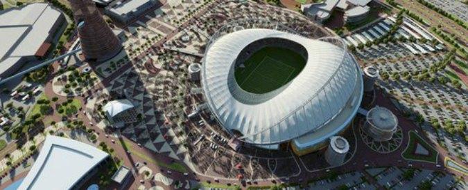 Mondiali calcio 2022 in Qatar, ancora lavoro forzato. E l'Italia ci gioca la Supercoppa