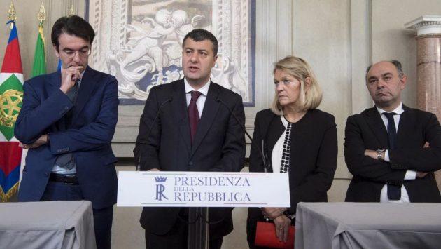 Sinistra Italiana si è presentata al Colle con Alfredo D'Attorre (ex Pd), il capogruppo alla Camera Arturo Scotto, la capogruppo al Senato Loredana De Petris e il senatore Peppe De Cristofaro