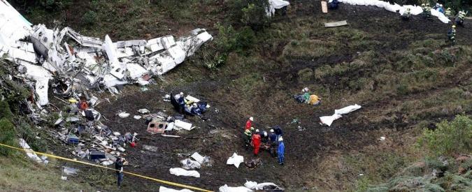 """Chapecoense, l'aereo precipitato in Colombia """"aveva finito la benzina"""""""