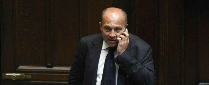 Napoli, ex parlamentare Alfonso Papa condannato a 4 anni e sei mesi per induzione alla concussione