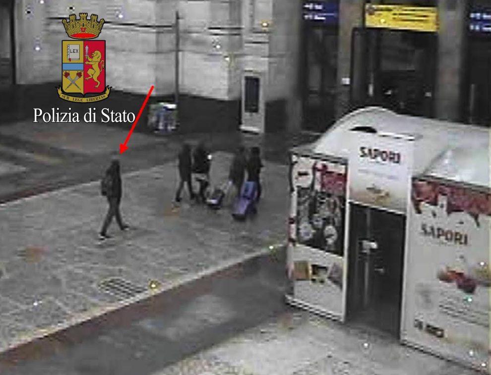 Amis Amri: l'immagine dell'attentatore alla stazione di Milano