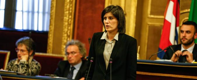 Torino, sì al primo bilancio della giunta Appendino: tagli alla cultura per 6 milioni di euro, tre per il personale