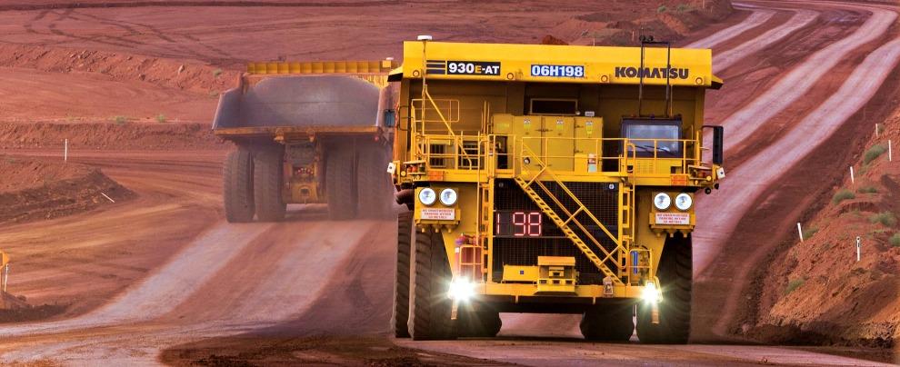 Australia, in miniera con i camion-robot che si guidano da soli. Le braccia umane? Ne servono sempre meno
