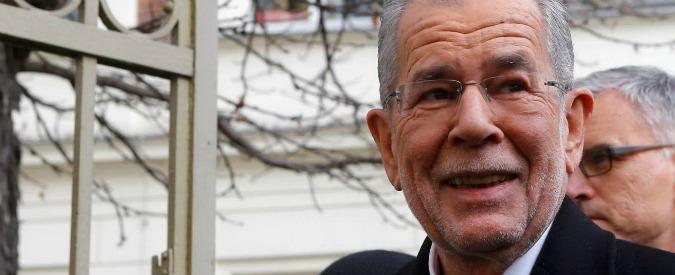 """Elezioni Austria, il verde Van der Bellen presidente: """"Vincono europeismo e solidarietà"""". Stop a ultradestra di Hofer"""