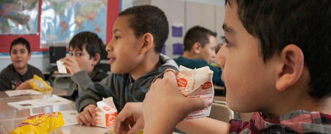 Bambini e alimentazione, come le industrie fanno marketing sulla pelle dei più piccoli