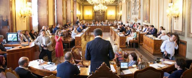 """Bologna, curriculum anonimi? Pd fa marcia indietro e ripete il voto: """"L'altra volta eravamo di corsa"""""""