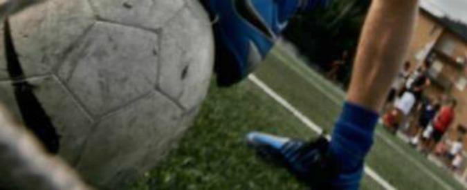 Cremona, arrestato presidente società di calcio giovanile: abusava dei ragazzini negli spogliatoi