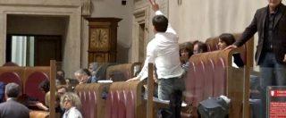 """Roma, i revisori del Comune bocciano il bilancio previsionale. Opposizioni in Aula: """"Mai successo!"""""""