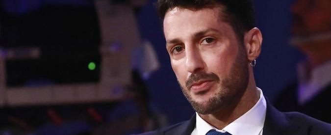 Fabrizio Corona, il fidanzato di Nina Moric pronto a querelarlo